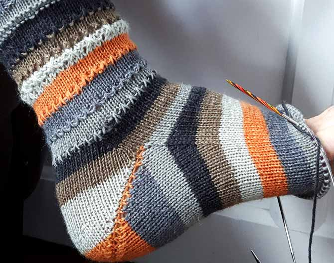 Knitting Expat German Short Row Heel : Things i will and won t do again in cuff down knitted socks