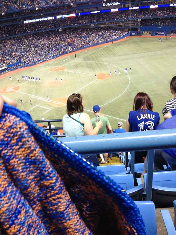 I don't always knit for others, but when I do, I match my yarn to the home team.