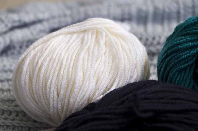 Dona of Universal Yarns in color: Vanilla