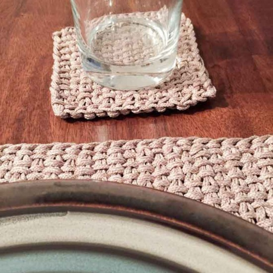 Close-up of linen stitch.
