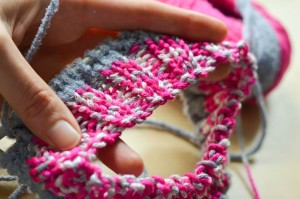 The cable cast on gives a neat edge for both knit and purl stitches.