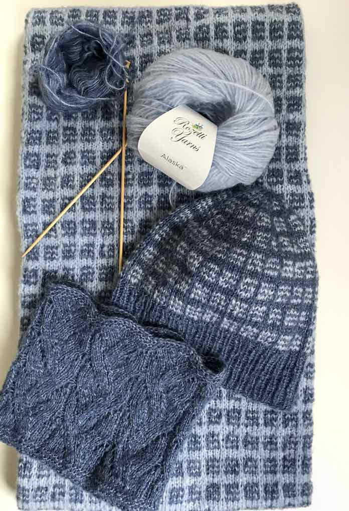 The winning set! Knit up with Rozetti Yarns oh so very soft and airy Alaska yarn!