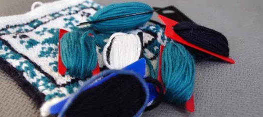 Using bobbins for fair isle knitting