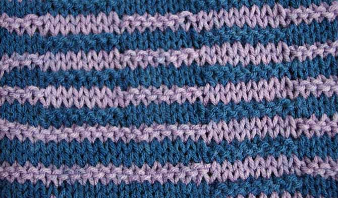 Stripes of 2 rows of each color