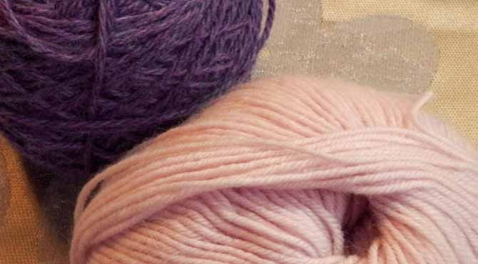 Bella Cash has a nice twice that yields amazing stitch definition compared to the more loosely twisted merino silk blend yarn.
