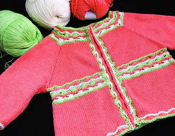Baby sweater with wrapped stitches
