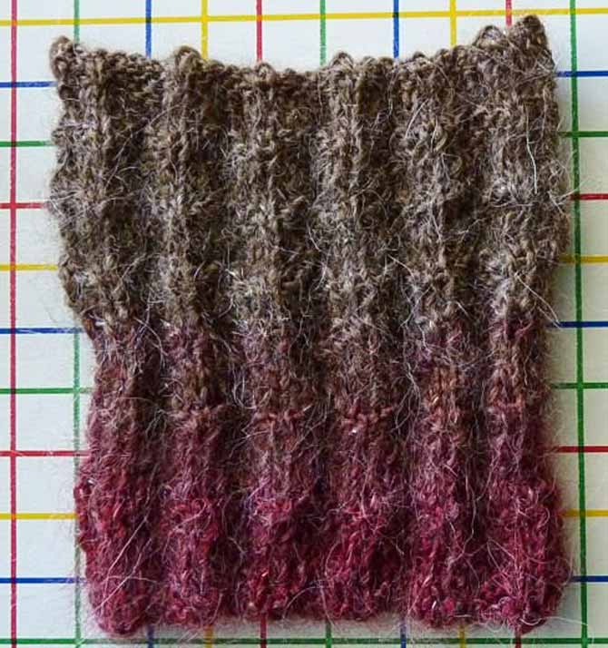 I used a knit-purl pattern to test the knit-purl stitch pattern theory, and again -- success! Another sample that wants to play nice!