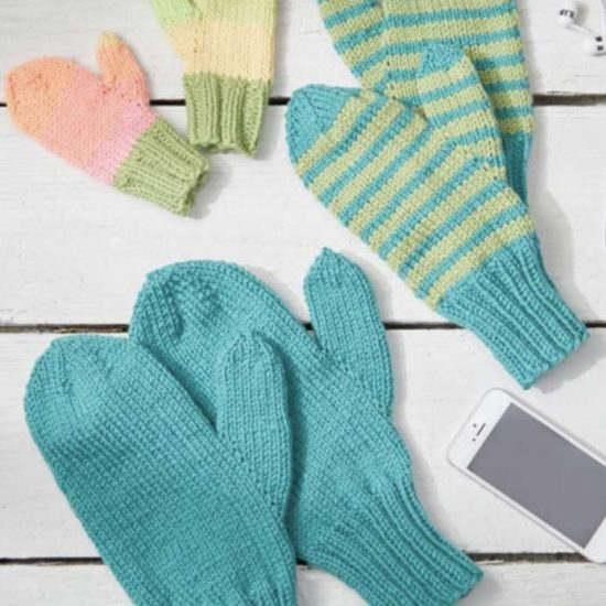 Three pairs of mittens in all sizes!