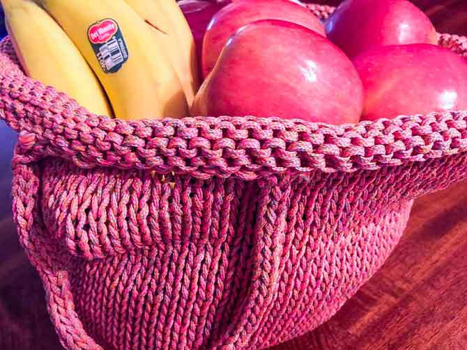 The bag stretches to encompass your expanding shopping list.