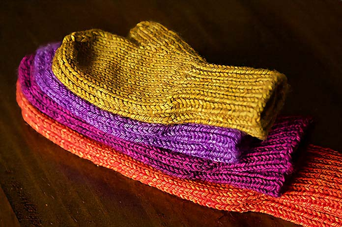 Tin Can Knits' famous any gauge any yarn mittens would be a perfect application for Toy Box.