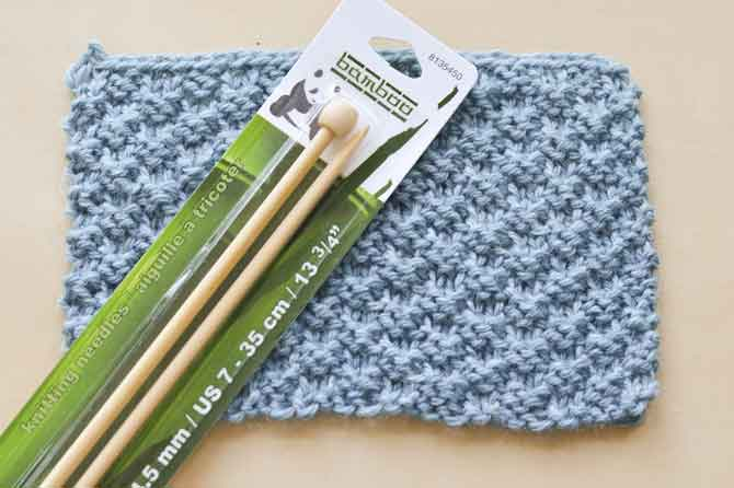 Simple knit and purl stitch combinations can great great rustic texture.