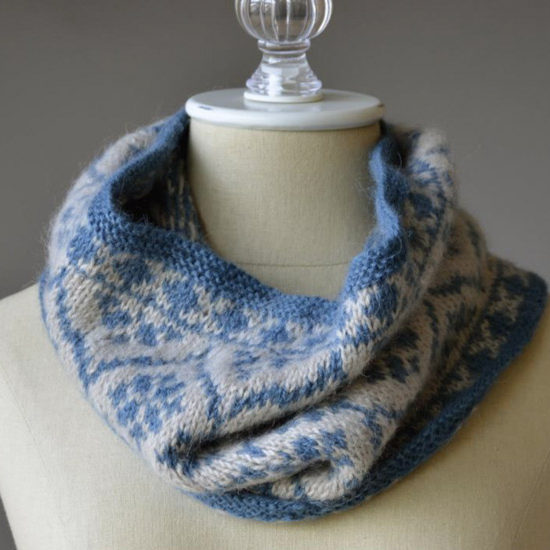 The finished product from the Templetop Cowl pattern. In the colors Caspian and Lunar.