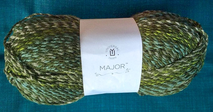The verdant colorway of Major sets the scene for a handsome scarf.